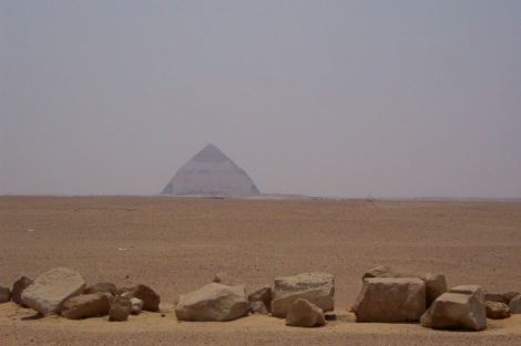pirámide acodada