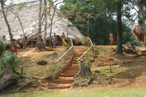 Visitar un poblado Emberá en Panamá fue una fantástica experiencia que me hubiera perdido si no hubiera tocado un vuelo en Facebook