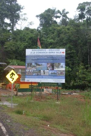 Cartel de Bienvenida a la comarca de Guna Yala