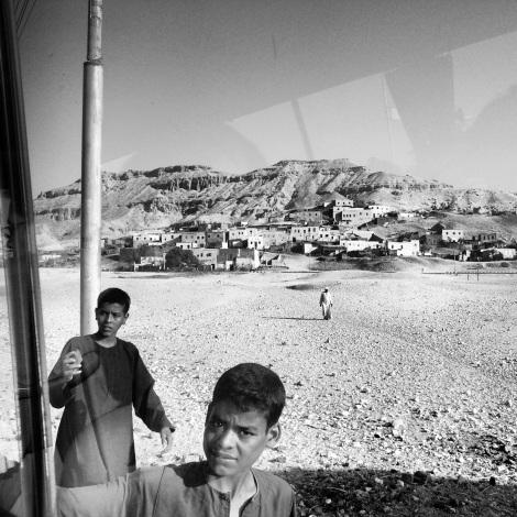 3.Vendedores Fotografía digital en blanco y negro. Dimensiones 12,7x12,7cm Precio 30€