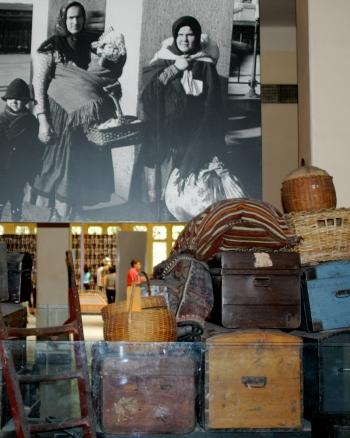 maletas de los inmigrantes en ellis island
