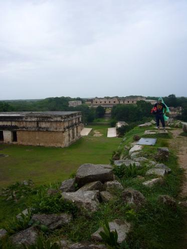 vistas de sde el palacio del gobernador de uxmal