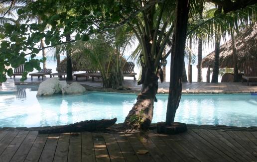piscina del xanadú island resort en San pedro, Belice