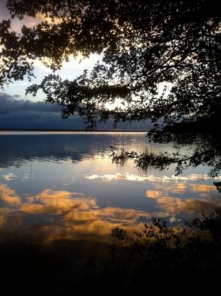 Puesta de sol en el lago Petén Itzá (El Remate)