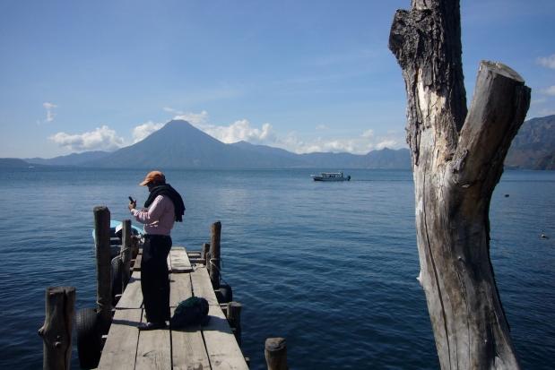 Turista en el Lago Atitlan (Panajachel)