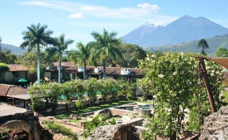 Jardines del Hotel Santo Domingo en Antigua Guatemala