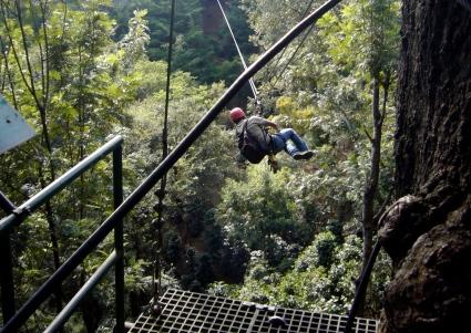 Instructor de canopy en Antigua Canopy Tours