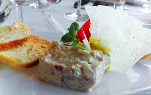 Tartar de lubina en el restaurante Abades Triana