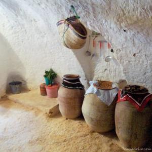 que ver en tunez :casa troglodita interior