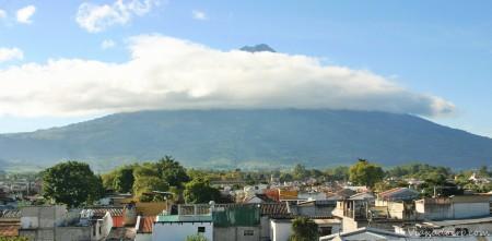 El Volcán agua desde la azotea del hotel