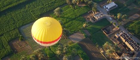 Un globo que vuela más bajo que el nuestro.