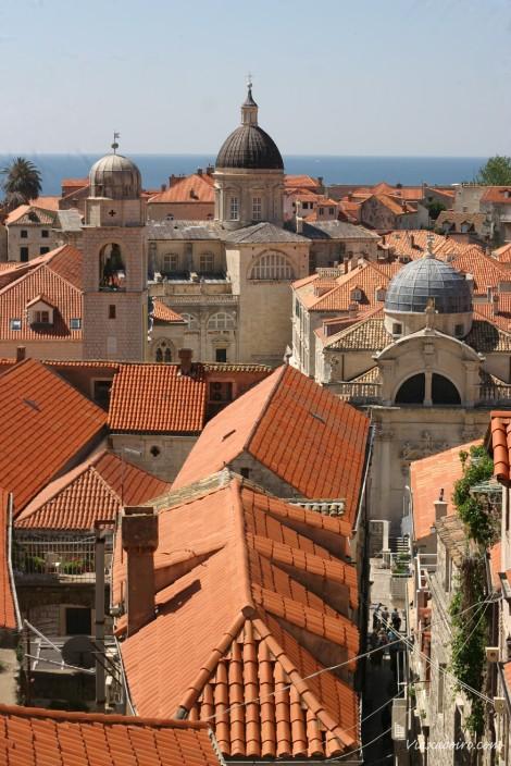 Tejados de Dubrovnik vistos desde las murallas de la ciudad (Croacia)